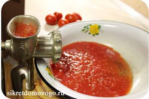 ketchup-na-zimu-iz-pomidor