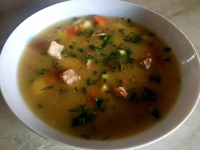 Гороховый суп с копченной курицей
